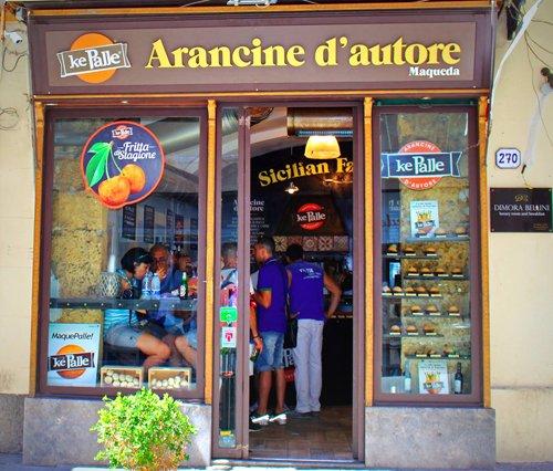 sicilia palermo arancine street food siciliano