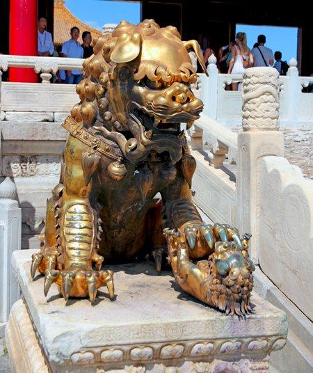 pechino, beijing, città proibita, cina, china, pagode, simbologia cinese, decorazioni orientali, oriente, asia, simboli cina, monumenti cina, monumenti pechino, viaggio in cina, colori imperiali cina, animali simbolici cinesi, leoni cinesi, draghi cinesi, imperatori cinesi, cultura cinese, spirito cinese