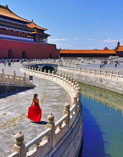 pechino, beijing, città proibita, cina, china, pagode, simbologia cinese, decorazioni orientali, oriente, asia, simboli cina, monumenti cina, monumenti pechino, viaggio in cina, posti instagrammabili pechino, ragazza cina, dove fotografare cina
