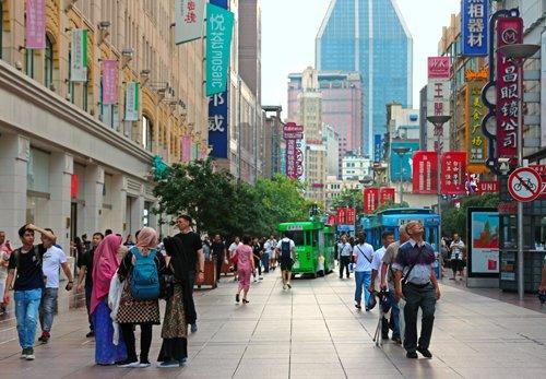 shanghai, shanghai negozi, shanghai street food, cosa vedere a shanghai, visit shanghai, viaggio a shanghai, shanghai shopping, nanjing road, cosa comprare a shanghai, dove comprare a shanghai, via dello shopping shanghai