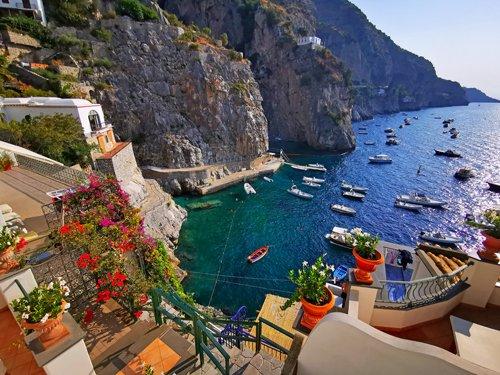 costiera amalfitana, praiano, positano, amalfi, on the road italia, costiera amalfitana on the road, viaggio in costiera amalfitana, vacanza in costiera amalfitana, esperienza in costiera amalfitana, cosa vedere in costiera amalfitana, emozioni costiera amalfitana, hotel di lusso in costiera amalfitana, migliori hotel costiera amalfitana, migliori hotel praiano, hotel onda verde, marina di praia, panorama praiano, amalfi coast