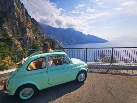 costiera amalfitana, positano, amalfi, on the road italia, costiera amalfitana on the road, viaggio in costiera amalfitana, vacanza in costiera amalfitana, strada più bella d'Italia, vietri sul mare, 500 cabrio, macchine d'epoca, cinquecento vintage, vintage, esperienza in costiera amalfitana, cosa vedere in costiera amalfitana, emozioni costiera amalfitana, amalfi coast, costiera amalfitana 5 esperienze da sogno,